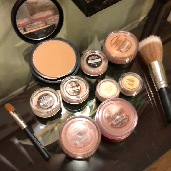 Lot of Bare Minerals products with two brushes
